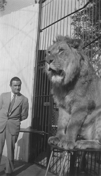 Harry wih MGM Lion